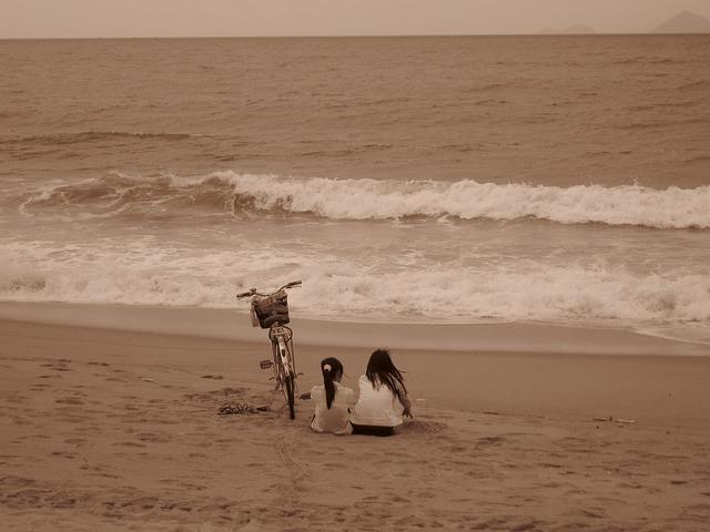 セピアとビーチ