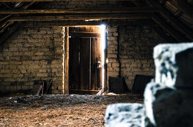 開きそうな扉